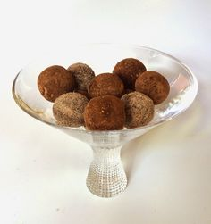 Only Recipes, by Alessandra Zecchini ©: Raw, vegan, sugar free and gluten free chocolate truffles