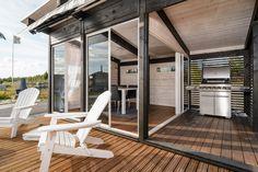kiva kesäkeittiö Outdoor Spaces, Outdoor Living, Outdoor Decor, Hamptons House, Summer Kitchen, Outdoor Projects, Beach House, Pergola, Home And Garden