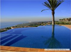 With seating along the infinity edge, one might think you could fall right into the horizon from this infinity pool.