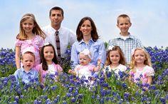 Si eres familia numerosa te interesa esta información. Aquí vas a descubrir las ayudas en educación que existen para ti> http://www.ahorradoras.com/2015/10/ayudas-en-la-educacion-para-familias-numerosas/ #ahorrar