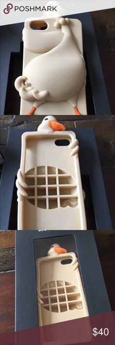Moschino Duck iPhone 5 Case Very gently used, adorable duck Case from Moschino. Comes with box. Moschino Accessories Phone Cases