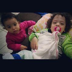 Presentes de Deus.  Minha maior riqueza são esses dois.  Amooooo  www.mamaededois.com.br #boanoite #filhos #amo #mamaecoruja #mamaededois #mamaededoisoficial