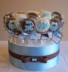 Baby Shower favours - chocolate pops by cakespace - Beth (Chantilly Cake Designs) Baby Shower Cakes, Baby Shower Azul, Deco Baby Shower, Baby Shower Favours, Shower Bebe, Diy Shower, Baby Shower Themes, Baby Boy Shower, Baby Shower Gifts