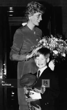 February Princess Diana with Prince Harry at the Mountbatten festival of music, Royal Albert Hall, London. Royal Princess, Prince And Princess, Princess Of Wales, Diana Son, Lady Diana, Diana Spencer, Royal Family Pictures, Rare Pictures, The Happy Prince