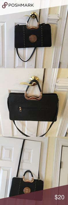 Fashion bag Good condition black and gold fashion Bags Shoulder Bags