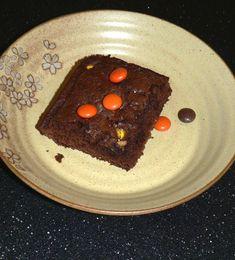 Best Halloween Brownies Halloween Brownies, Halloween Desserts, Thanksgiving Desserts, Fall Desserts, Great Desserts, Delicious Desserts, Dessert Recipes, Caramel Apple Cheesecake, Pumpkin Cheesecake