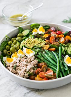 This is my healthy version of the nicoise salad! Filled with tons of veggies, pr… This is my healthy version of the nicoise salad! Filled with tons of veggies, protein, and healthy fats, this nutritious salad is also an easy lunch option. Salad Recipes, Healthy Recipes, Delicious Recipes, Healthy Fats, Healthy Eating, Brunch, Nicoise Salad, Entrees, Clean Eating