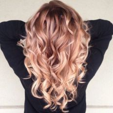 Beautiful Rose Gold Hair Color Ideas 27
