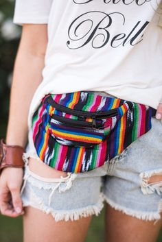 Woven colorful Guatemalan fanny pack bags with adjustable waist belt closure. Made from 100% cotton colorful woven yarn in a variety of colors with front zipper pocket and adjustable belt closure. Eac