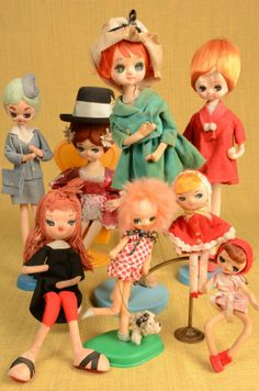 Collection of vintage Japanese pose dolls.