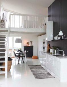 Kitchen in black & white