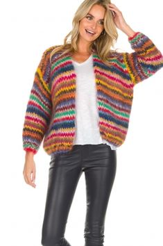 Les tricots d & # o Jumper Knitting Pattern, Cardigan Pattern, Knitting Patterns, Crochet Shirt, Crochet Cardigan, Knit Crochet, Striped Cardigan, Loose Knit Sweaters, Mohair Sweater
