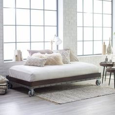 industrial pallet daybed on wheels available in queen king full u0026 twin size pallet daybed daybed and pallets