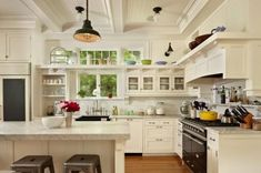 Love so many things about this kitchen