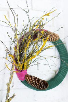 Coronas de Navidad con tela y ramas : via La Chimenea de las Hadas