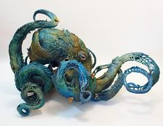 Intricate Fantasy Animal Sculptures by Ellen Jewett Art Sculpture, Animal Sculptures, Clay Sculptures, Ellen Jewett, Flora Und Fauna, Octopus Art, Octopus Tentacles, Octopus Squid, Colossal Art