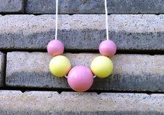 Jarní+náhrdelník:+Růžovo-+žlutý+Pastelový+náhrdelník+z+dřevěných+korálů.+Korále+jsou+lehké,+nabarvené+akrylovou+barvou+a+pečlivě+přelakované+lesklým+lakem.+Korálky+jsou+vždy+navlčeny+na+voskovou+šňůrku,+délku+udělám+na+přání.+Velikost+a+počty+korálků:+1x30mm,+2x25mm,+2x20mm.+Každý+náhrdelník+je+ruční+výroba+a+je+originál.+Na+některých+korálcích... Wood Design, Pastel, Cake, Inspiration, Biblical Inspiration, Kuchen, Cakes, Cookies, Pie