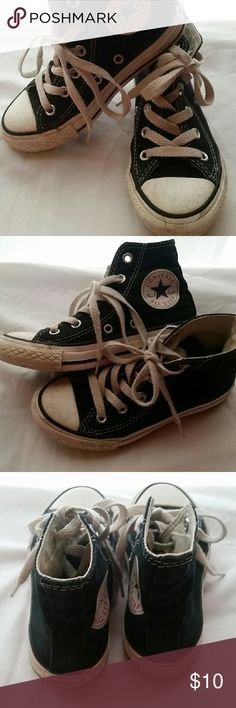 Converse all star high top sneakers sz 11 Great pair of converse sneakers unisex boy or girl sz 11...still have some life in them Shoes Sneakers