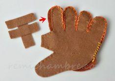 フェルトの野球グローブの作り方と無料型紙をスマホで印刷する方法 Gingerbread Cookies, Baseball, Feltro, Ideas, Tejidos, Gingerbread Cupcakes, Baseball Promposals