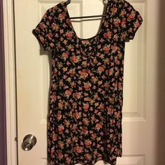 Super cute black dress with beautiful flower print This very cute midi black dress with flower print all over. Very cute with some tights or leggings for this cold weather or with flip flops on those warm and sunny days! Cotton candy Dresses Midi