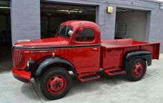 1949 REO speedwagon I just had to pin this next to the band! Love this truck! Old Pickup Trucks, New Trucks, Custom Trucks, Cool Trucks, Cool Cars, Antique Trucks, Vintage Trucks, Antique Cars, General Motors