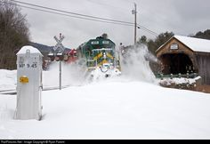 RailPictures.Net Photo: GMRC 305 Green Mountain Railroad EMD GP40-2 at…