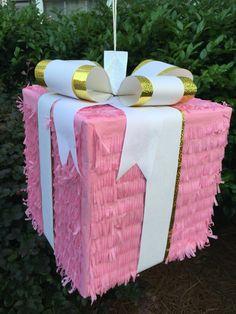 Rosa regalo caja Pinata tirar cuerdas o tradicionales