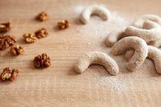 Ořechové rohlíčky Stud Earrings, Food, Studs, Stud Earring, Meals, Yemek, Earring Studs, Eten
