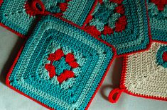 Pretty potholders in Aqua and Red
