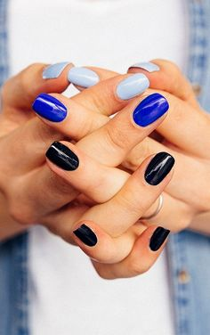 Cool blue nails for summer | Your Nail Art