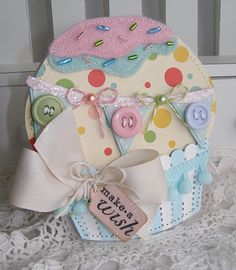 Cute Cupcake.  Check out this site.  Too many to pin!