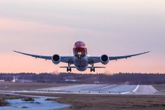 Norwegian Is The Leading Airline Serving London Gatwick To North America - Simple Flying Cheap Flights To Europe, Flights Online, Norwegian Air, Gatwick Airport, Best Hotels, North America, Aviation, Like4like, Aircraft