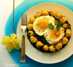 Turmeric and Saffron: Nargesi Esfenaj - Spinach with Eggs