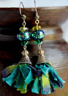 Earrings with blue stone and cloth - ArtemisiaLaboratorio