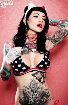 Τα κορίτσια με τα τατουάζ