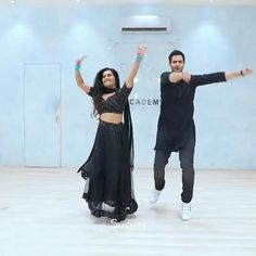 Funny Videos For Kids, Cute Couple Videos, Dance Choreography Videos, Dance Videos, Indian Wedding Songs, Wedding Dance Video, Bollywood Music Videos, Prince Héritier, Cool Dance Moves