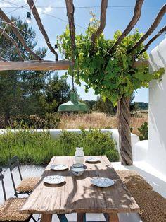 Weekend Escape: A Finca Style Holiday Home On Ibiza Backyard Garden Design, Backyard Fences, Patio Design, Terrace Design, Garden Kids, Villa Design, Design Hotel, Garden Path, Balcony Garden
