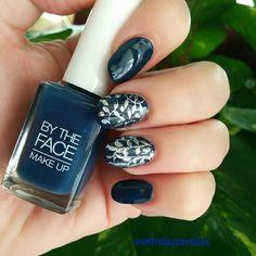 Nailart con stamping y tono de @bytheface !! #nailart #uñas #pintauñas #manicure