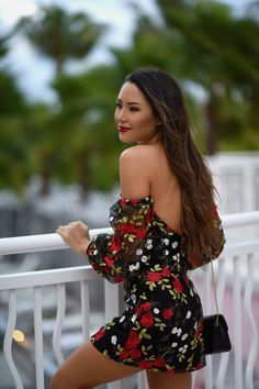 Jessica Ricks wearing beautiful off-shoulder open back printed mini skirt Sexy Outfits, Sexy Dresses, Cute Outfits, Beautiful Asian Girls, Most Beautiful Women, Hapa Time, Jessica Ricks, Sexy Skirt, Asian Woman