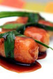 Gemblong merupakan salah satu dari sekian macam ragam panganan tradisional khas Indonesia, dimana gemblong ini mempunyai bahan utama yait...