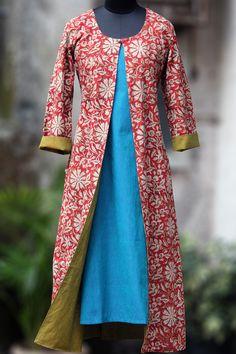 a long jacket, that's reversible! we bring you an eclectic mix of mangalgiri & blockprinted jacket in contemporary mughal choga styling! chogas were popul