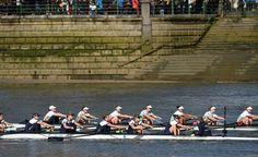 Joanneke Jansen (rechts) leidt de Boat Race namens Oxford
