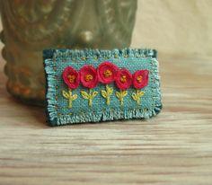 Broche brodée florale rose et turquoise