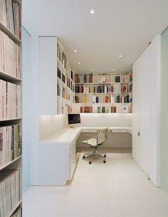 Simplistic Whiteout Residences : Contemporary Apartment /* nota C: bandraam boven bureau raydolapistanbul.com artevetta.com.tr