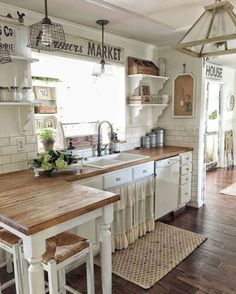 26 Rustic Farmhouse Kitchen Cabinet Makeover Ideas #painted #kitchen #cabinet #ideas