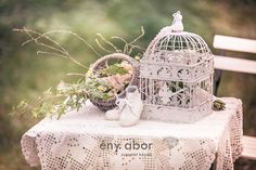 birdcage wedding vintage interior by Fénylabor