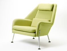 Re-edition of fantastic chair collection of the s - Ernest Race is a famous British furniture designer who, in the with its unique, trendsetting . Art Deco Furniture, Vintage Furniture, Modern Furniture, Furniture Design, Chair Design, Most Comfortable Office Chair, Outdoor Dining Chair Cushions, Metal Chairs, Black Chairs