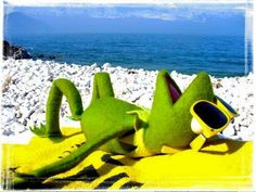 Find images and videos about cute, funny and beach on We Heart It - the app to get lost in what you love. Miss Piggy, Elmo, Sapo Frog, Sapo Kermit, Hulk, Les Muppets, Sapo Meme, Frog Meme, Fraggle Rock