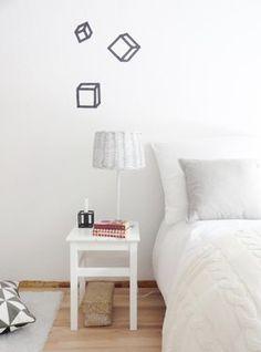 #MaskingTape: Würfel aus #maskingtape #diy #decoration #interior #design #wandgestaltung #bedroom #idea  Mehr schöne Ideen mit Washi und Masking Tape auf SoLebIch: www.solebich.de/tag/washi-masking-tape