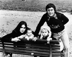 Italian singer Al Bano (Albano Carrisi) and his wife, American-born Italian singer Romina Power, posing with their children Ylenia Carrisi and Yari Carrisi. Power Photos, Tyrone Power, Italy Pictures, Two Daughters, Italian Artist, Horror Movies, Looking Back, Love Story, Nostalgia